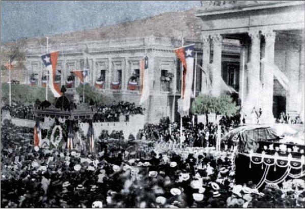 Cuando J. M. Balmaceda honro a A. Prat en Valparaíso